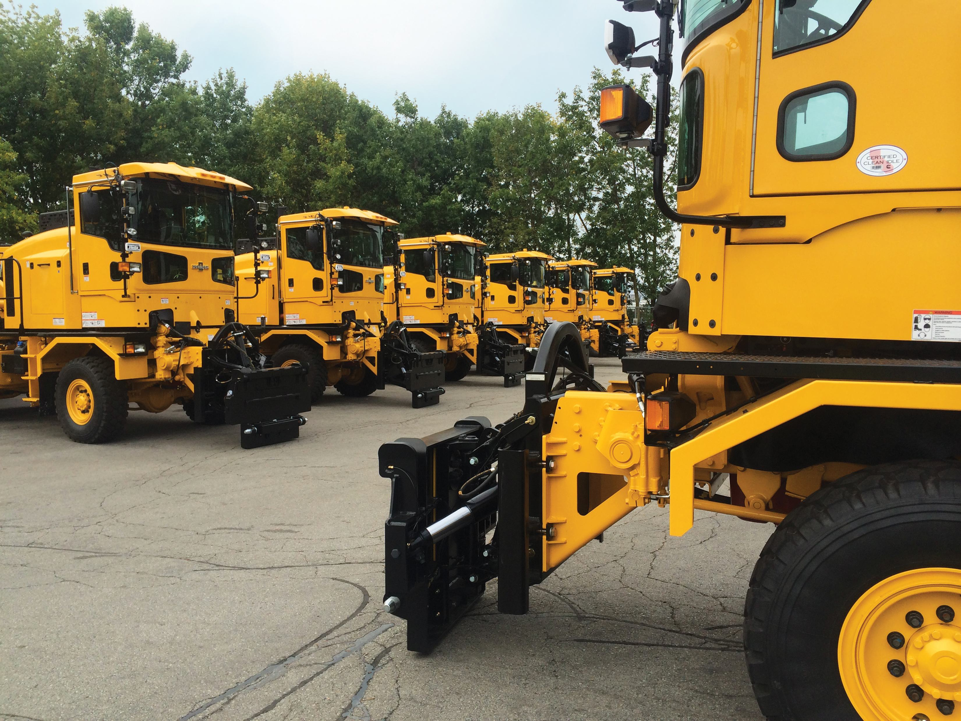 Oshkosh Airport Products Delivers 33 Snow Removal Vehicles To Dallas Ft Worth International Airport Aviation Pros