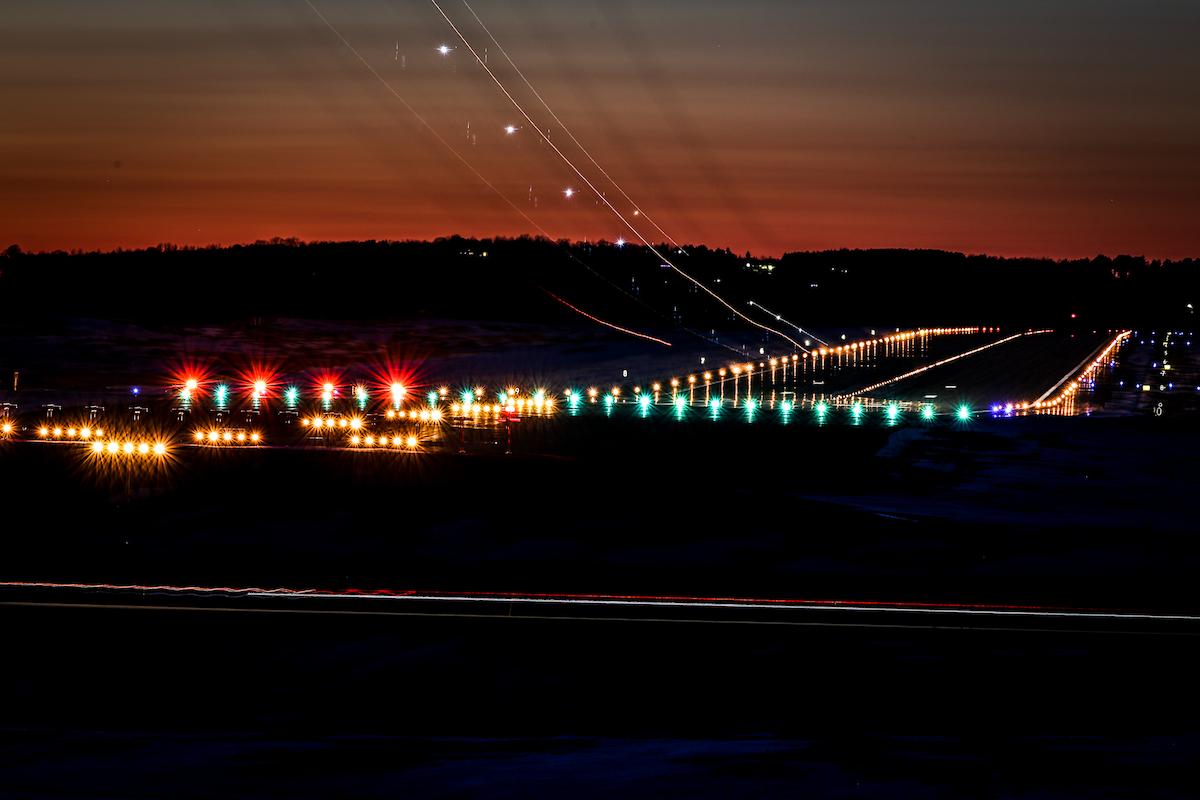 LED Airfield lighting maintenance | Aviation Pros