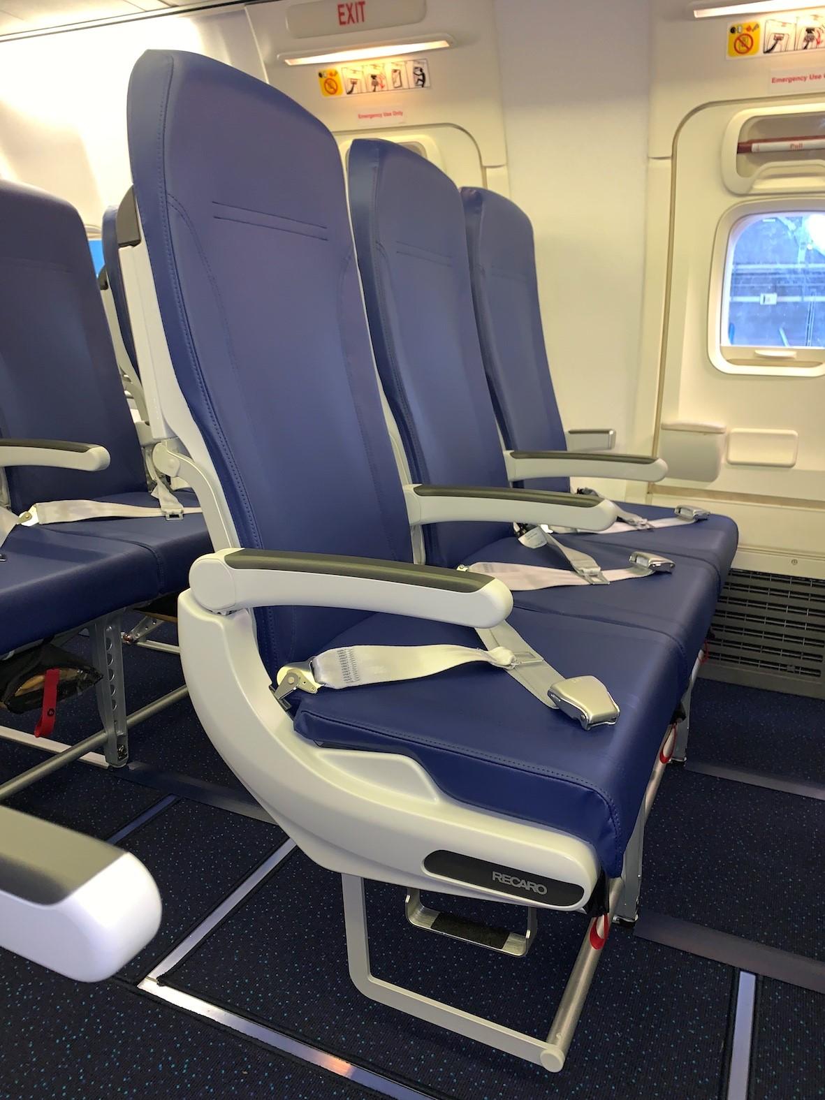 Aircraft Seats: Recaro Aircraft Seating Installs First Seats From SPRINT